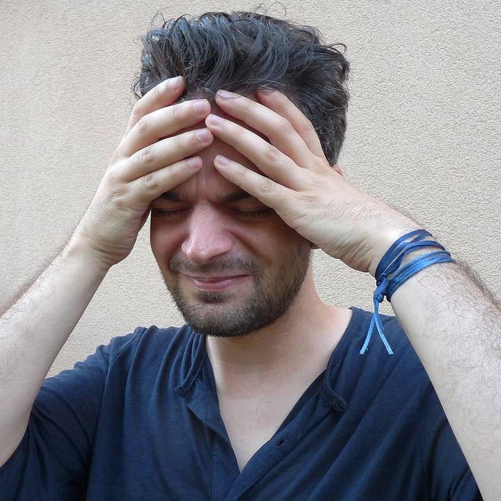 ból głowy u mężczyzny