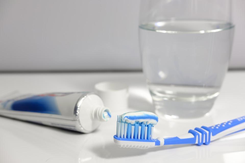 prawidłowa higiena jamy ustnej